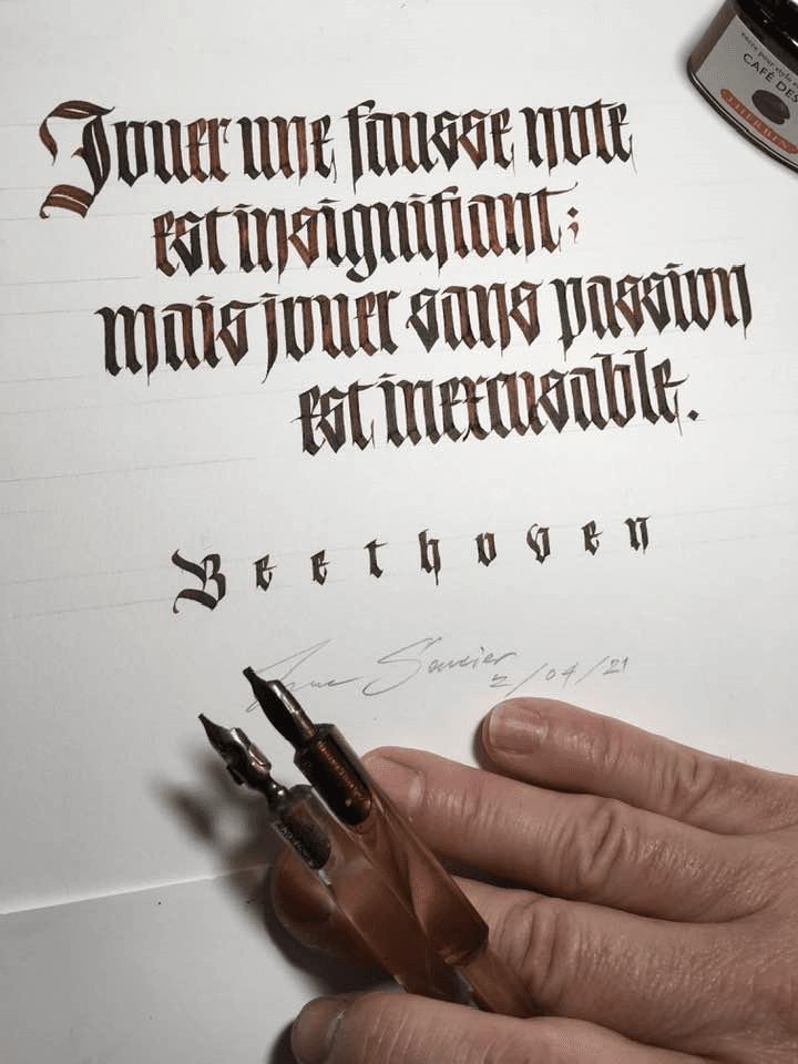 Calligraphy: The Secrets of Textura
