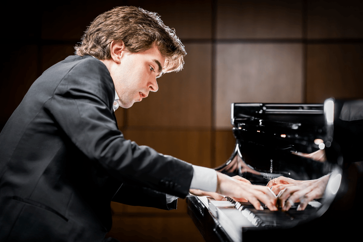 Albert Cano Smit, piano