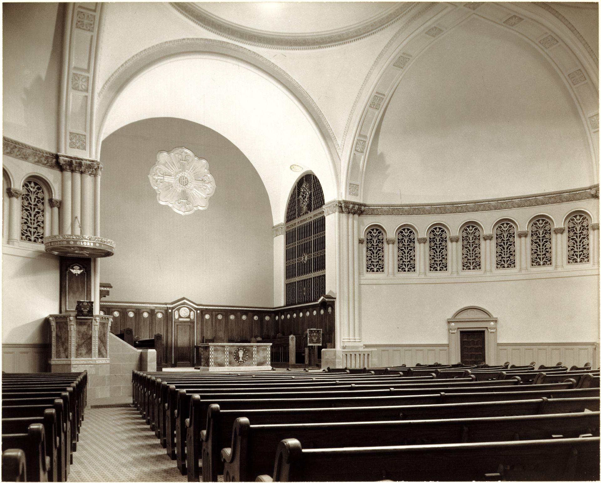 L'église Erskine and American. Vue de la nef de 1938.